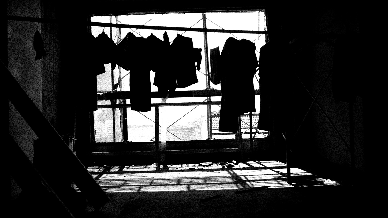 011 Hanger-PHOTOGRAPHS-本相造物所selfportrait